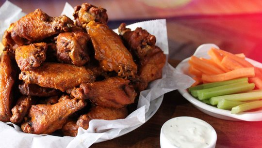 buffalo wings with carrots, celery, dressing