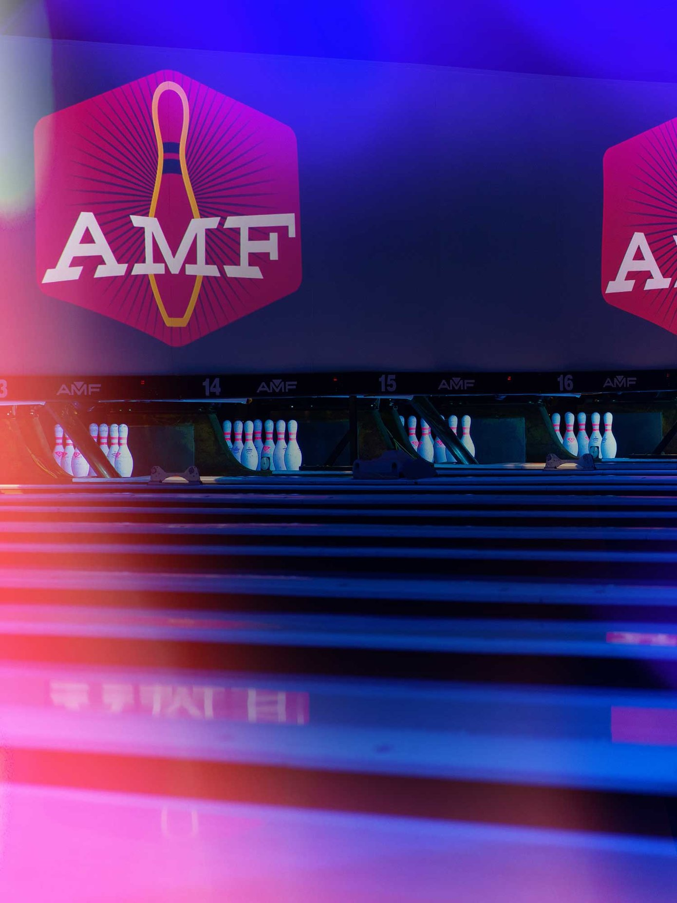 AMF University Lanes, Tampa, FL - Bowling Alley with Pro
